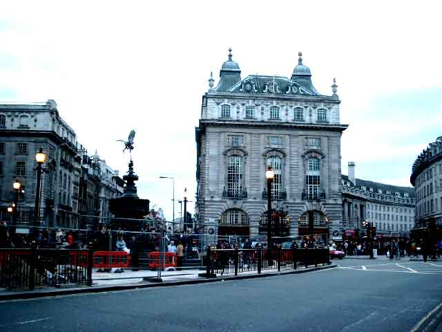 5 - Piccadilly Circus